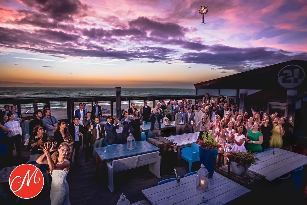 Awardwinnende foto-Texel-trouwen op het strand